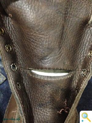 ダナーブーツのタン(ベロ部)修理