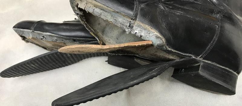 乗馬ブーツのソールはがれと革あて修理